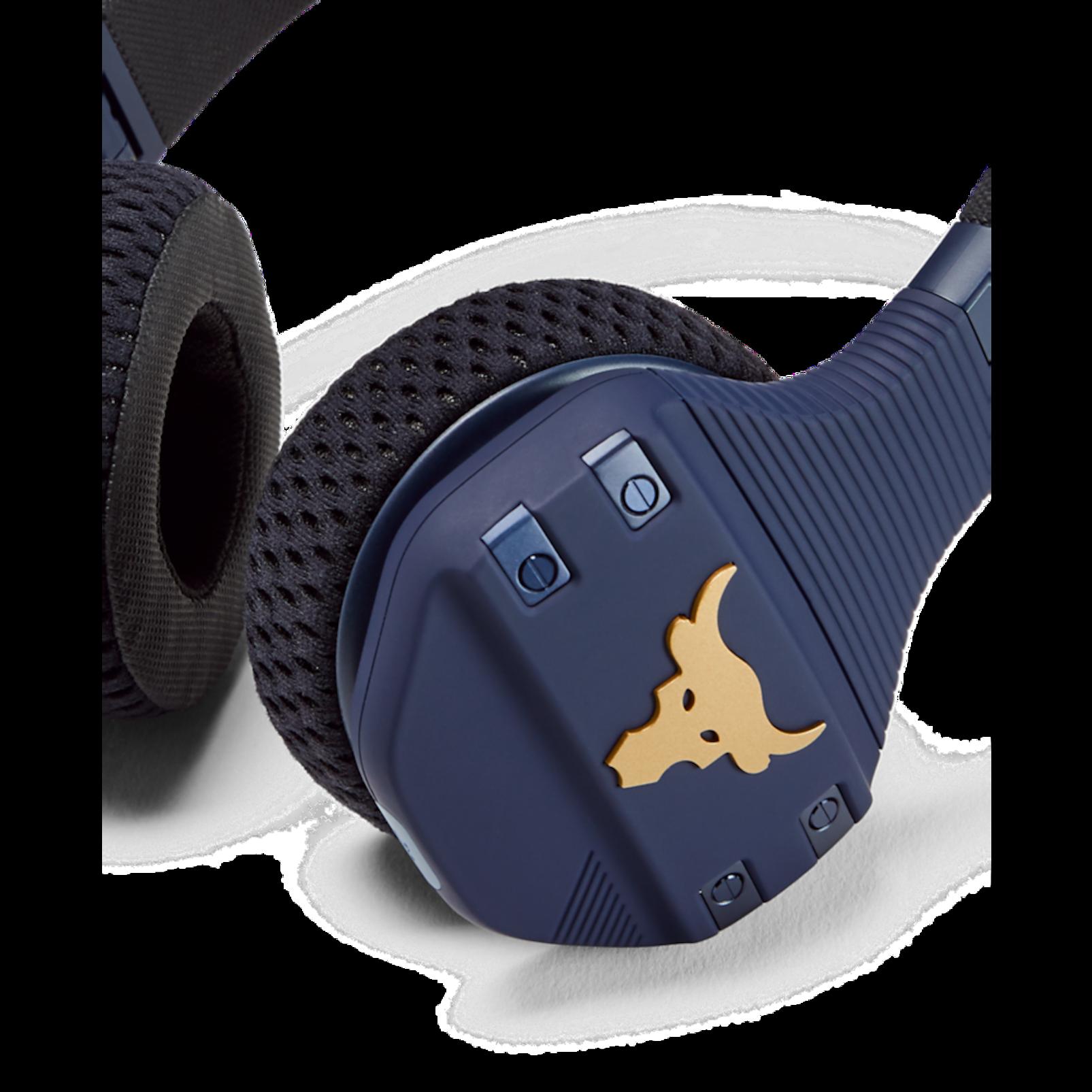UA Sport Wireless Train Project Rock – Engineered by JBL - Blue - On-ear sport Headphones - Detailshot 2