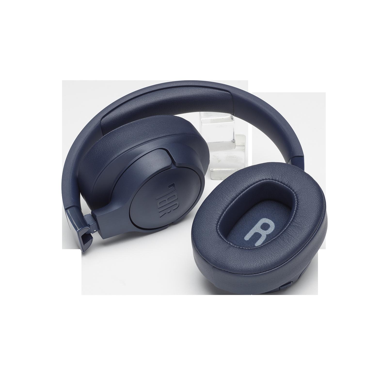 JBL TUNE 700BT - Blue - Wireless Over-Ear Headphones - Detailshot 2